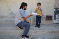 AZEZ - Suriyeli Yetim Çocuklara Yardımlar Sürüyor