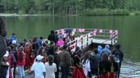 Bitlisli Öğrenciler Borçka Karagöl'ü Ziyaret Etti