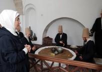 MEVLEVILIK - Emine Erdoğan, Afyonkarahisar'daki Tarihi Cami Ve Müzeyi Ziyaret Etti