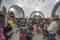 SIYAH BEYAZ - Fotoğraf Sanatçıları Siverek'te Buluştu
