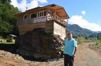 Hayalindeki Restoranı Kaya Üzerine İnşa Etti