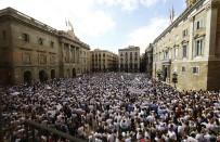 PLASTİK MERMİ - İspanyollar Birlik İçin Yürüdü
