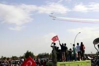 KONYA VALİSİ - Türk Yıldızları Ve Solo Türk'ten Nefes Kesen Gösteri