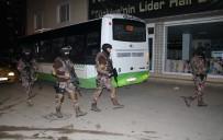 ZIRHLI ARAÇLAR - Bursa'da Terör Uygulaması, 3 Kişi Gözaltına Alındı