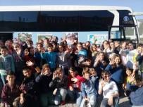 NEVZAT DOĞAN - İzmit Belediyesi Öğrencileri Bursa'ya Götürülüyor