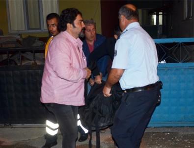 Manisa'da bir kişi eşini baltayla öldürdü
