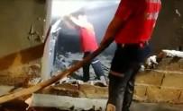 AHŞAP EV - Yaşlı Kadının Evi Yangında Kül Oldu