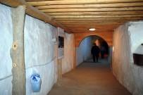 ALAADDIN KEYKUBAT - Arapgir'de 800 Yıllık Cemevi Ziyaretçi Akınına Uğruyor