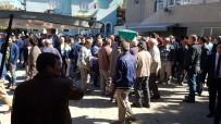 CENNET - Baltayla Öldürülen Talihsiz Kadın Toprağa Verildi