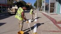 YOL ÇALIŞMASI - Başiskele'de 70 Kilometrelik Yolun Kaldırım Bordürleri Boyandı