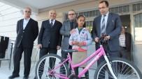 Burhaniye'de Çevreci Öğrenciye Bisiklet Ödülü