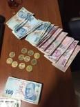 CUMHURİYET ALTINI - Çaldıkları Altınları Bozdurmak İsterken Polise Yakalandılar