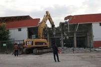 YIKIM ÇALIŞMALARI - Elazığ Atatürk Stadyumu'nda Yıkım Başladı