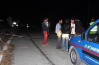 YOLCU TRENİ - Hemzemin Geçitte Facia Açıklaması 3 Ölü, 3 Yaralı