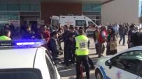 ZİNCİRLEME KAZA - Kazayı Ve Yaralıları Bıraktılar, Hastane Önünde Birbirlerine Girdiler