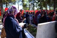 ÖMER HALİSDEMİR - Malatya'dan 350 Kişilik Heyet Şehit Ömer Halisdemir'in Kabrini Ziyaret Etti