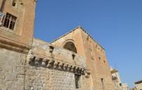 TURİZM BAKANLIĞI - Mardin'de Tarihi Yapı Yıkılmaya Yüz Tuttu