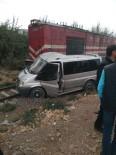 Minibüs Trene Çarptı Açıklaması 1 Yaralı