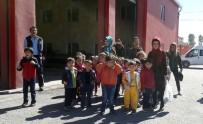 KARBONMONOKSİT - Minikler İlk Kez İtfaiyecilerle Tanıştı