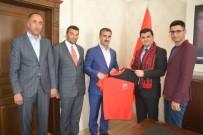 YUSUF İSLAM - Eleşkirt Spor Kulübü Temsilcilerinden İlçe Kaymakamına Ziyaret