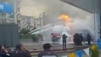 YAKIT TANKERİ - İstanbul'da Akaryakıt İstasyonunda Patlama Açıklaması 3 Yaralı