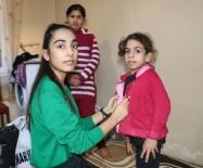 YARDIM KAMPANYASI - 15 Yaşındaki Cennet, Türkmen Ailelerin 'Yardım Meleği' Oldu