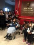 SERVERGAZI - 81 Yaşındaki Kamile Nine Minik Öğrencilere Atatürk Şiiri Okudu