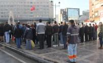 TEMİZLİK GÖREVLİSİ - Adana'da Saat Dokuzu Beş Geçe Hayat Durdu
