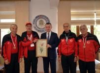 MUSTAFA YıLMAZ - Bilecik Huzurevi ''Bocce'' Takımından Vali Büyükakın'a Ziyaret