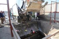 KATI ATIK TESİSİ - Burhaniye'de Çöp Sorununa Taşımalı Çözüm