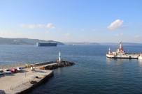 FERİBOT SEFERLERİ - Çanakkale Boğazı Transit Gemi Geçişlerine Yeniden Açıldı