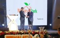 MESUT UÇAKAN - Film Festivali Sponsoru Malatya Park Plaket İle Ödüllendirildi