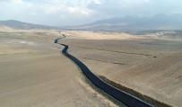 MURAT ZORLUOĞLU - İran Sınırında Yol Asfaltlama Çalışması