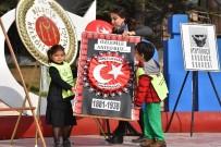 ANAOKULU ÖĞRENCİSİ - Minik Eller Atatürk Anıtına Çelenk Bıraktı