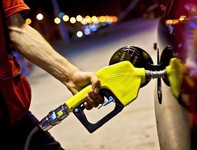 Motorinin litre fiyatı 5 lirayı geçti