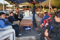 DALYAN KANALI - Öğrenciler Tekne Turu Yaparak Okula Ulaşıyor