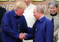 BEYAZ SARAY - Trump Ve Putin Vietnam'da Tokalaştı