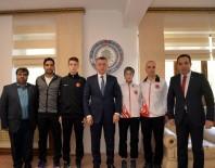 TEKVANDO - Vali Büyükakın Başarılı Sporcuları Ödüllendirdi