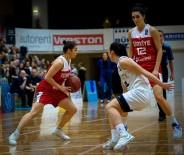 TÜRKIYE BASKETBOL FEDERASYONU - A Milli Kadın Basketbol Takımı, Estonya'yı Farklı Mağlup Etti