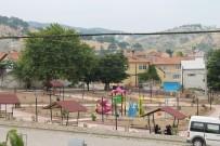 ESKIGEDIZ - Akçaalan Köyü Parkı, Eskigediz Belediyesi Tarafından Yenilendi