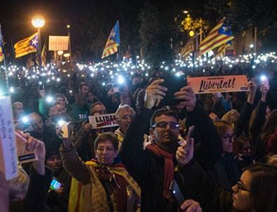 Barselona'da halk yine sokaklara döküldü