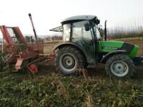 MEHMET YıLDıRıM - Hisarcık Çiftçisi Yıllar Sonra Pancar Söküm Makinesiyle Tanıştı