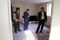 İÇMELER - Kaymakam Çetin'den Yardıma Muhtaç Aileye Ziyaret