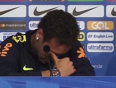 Neymar basın toplantısında ağladı