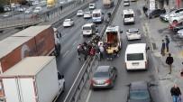 METROBÜS DURAĞI - E-5 Karayolunda Otomobil Motosikletliye Çarptı Açıklaması 1 Yaralı
