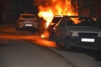 KARAKAYA - Park Halindeki Araç Alev Alev Yandı