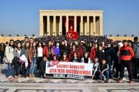 TÜRKIYE BÜYÜK MILLET MECLISI - Salihlili Gençler Anıtkabir'i Ziyaret Etti
