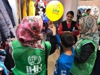 İNSANI YARDıM VAKFı - Denizli'de 150 Yetimin Kışlık İhtiyaçları Karşılandı