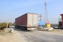 TOSUNLAR - Denizli'de 'Araç Geçişine Yasak' Olan Trafiğe Açık Köprü Bilmecesi