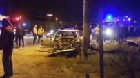 GÜLISTAN CADDESI - (Düzeltme) Denizli'de İki Otomobil Çarpıştı Açıklaması 1 Ölü, 10 Yaralı